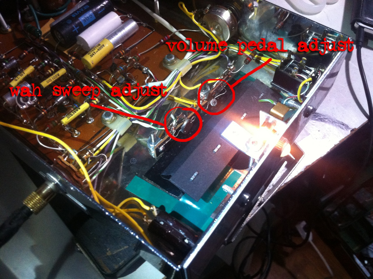Mondo Morley Medicale Rwv Rotating Wah Doktor Ross Sewage Pedal Circuit While I Was In There Decided To Conduct A Full Diagnostic The Curtain Shielding Ldr That Controls And Volume Bit Loose